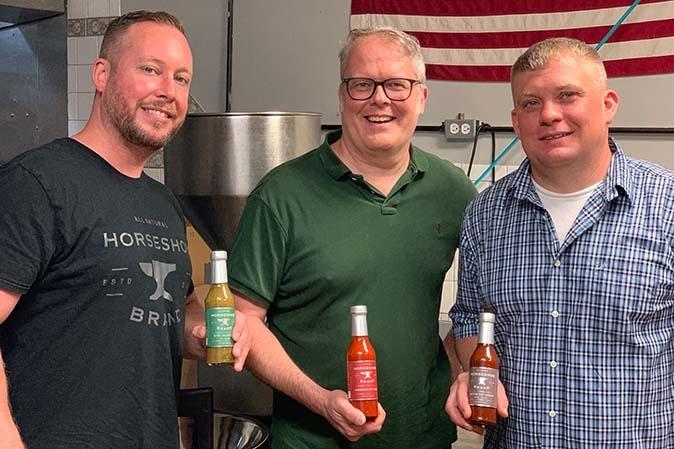 Scharfe Saucen von Horseshoe Brands