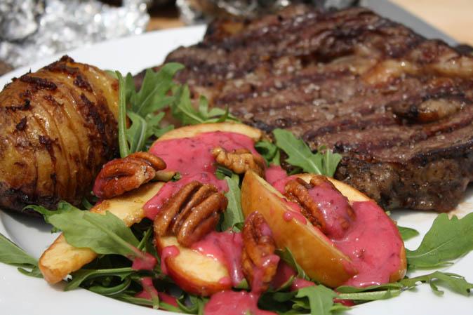 Patrick Ryans Steakgericht beim Grillduell von Kabel Eins