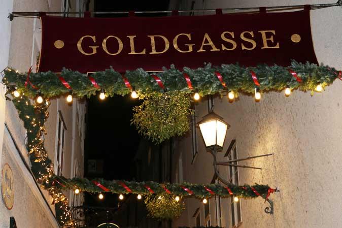 American Heritage wünscht Frohe Weihnachten aus der Goldgasse in Salzburg