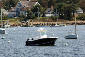 Küste mit Booten