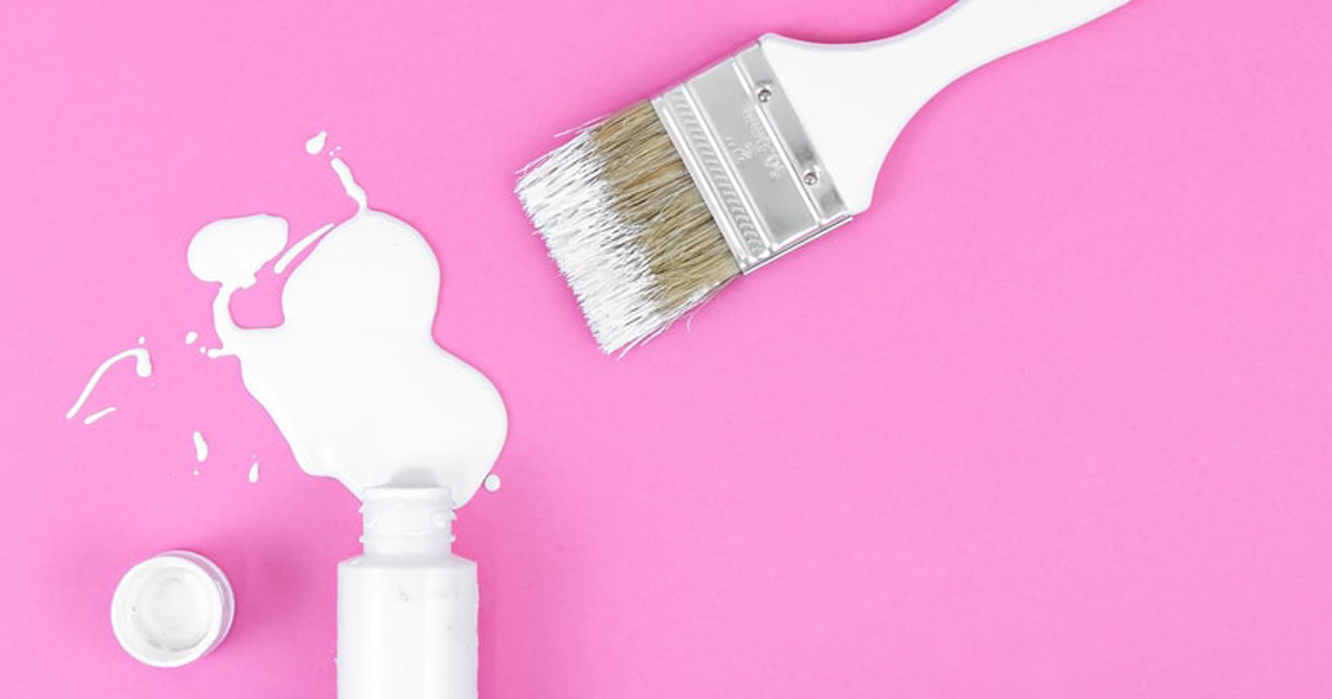 Milk Paint mit Pinsel
